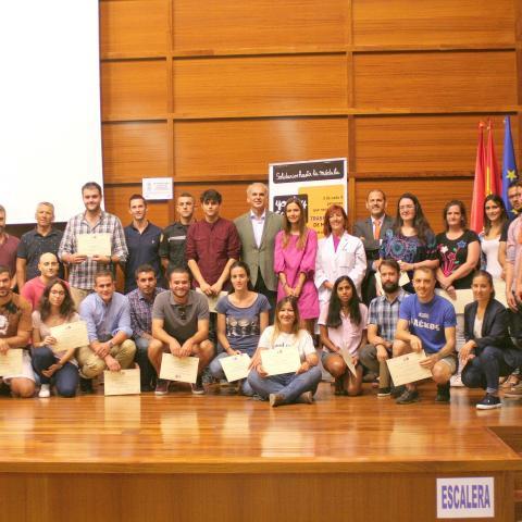 Foto de grupo de todos los donantes de médula efectivos del último año en el acto del Día Mundial del Donante de Médula Ósea