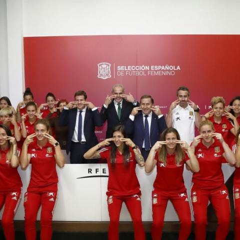 Foto de grupo de la Selección Absoluta Femenina