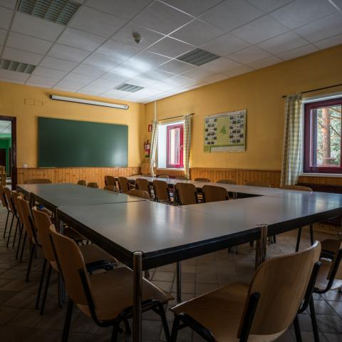 Sala de trabajo Albergue Juvenil Dehesas