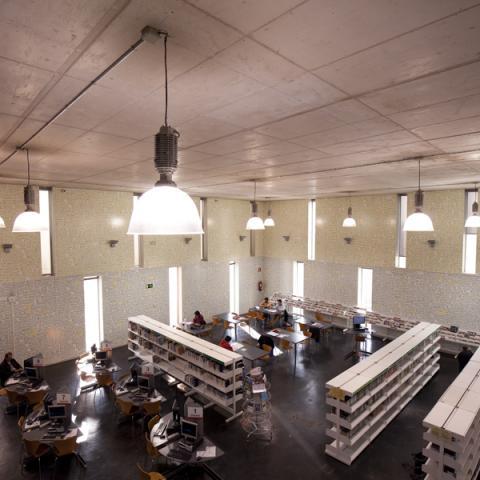 Biblioteca José Hierro