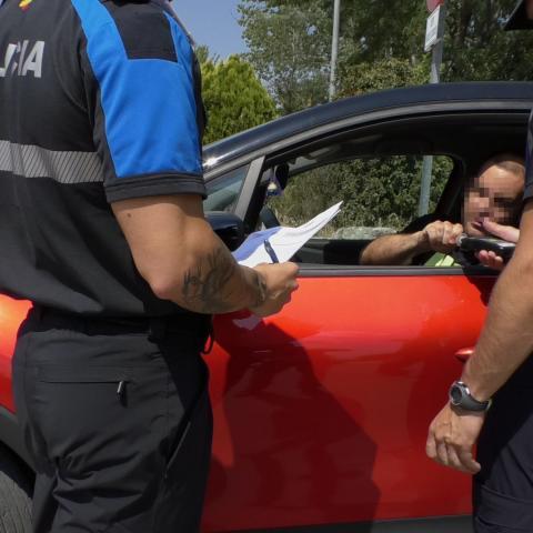 Prácticas de policías locales en control de alcoholemia