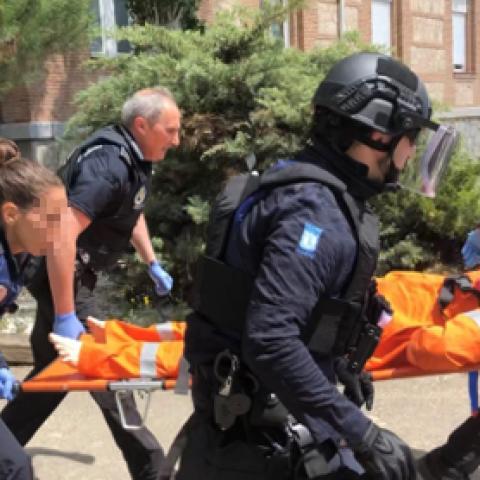 Prácticas de policías locales en evacuación en incidentes con múltiples víctimas