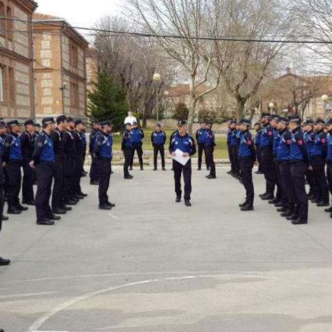 Policías locales en clases de régimen interior en el IFISE